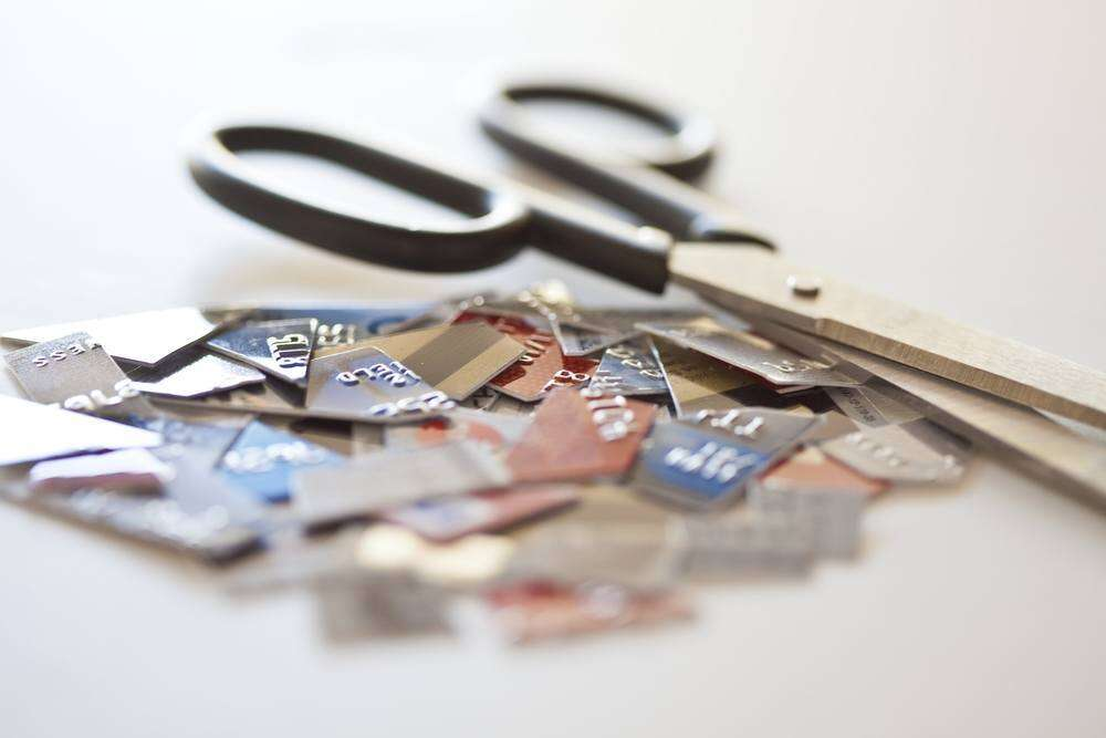 6 ways credit cards wrecking your credit score unknowingly